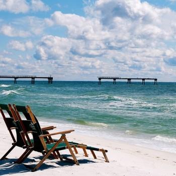 beach-427646_640