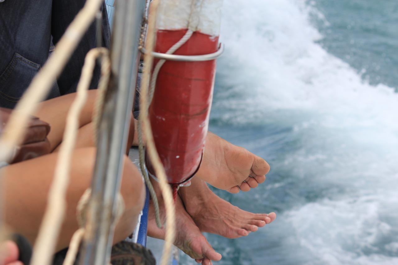 feet-345509_1280