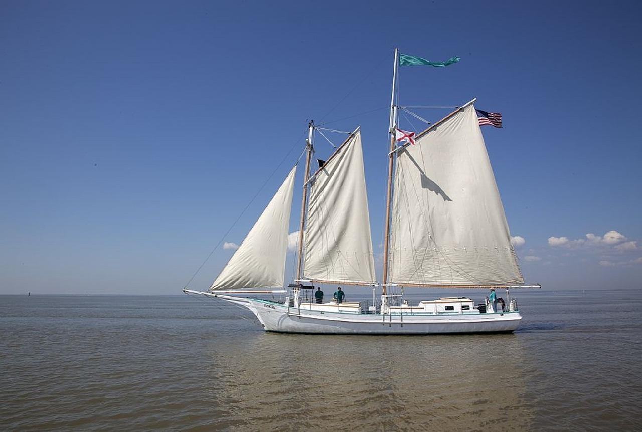 schooner-754872_1280