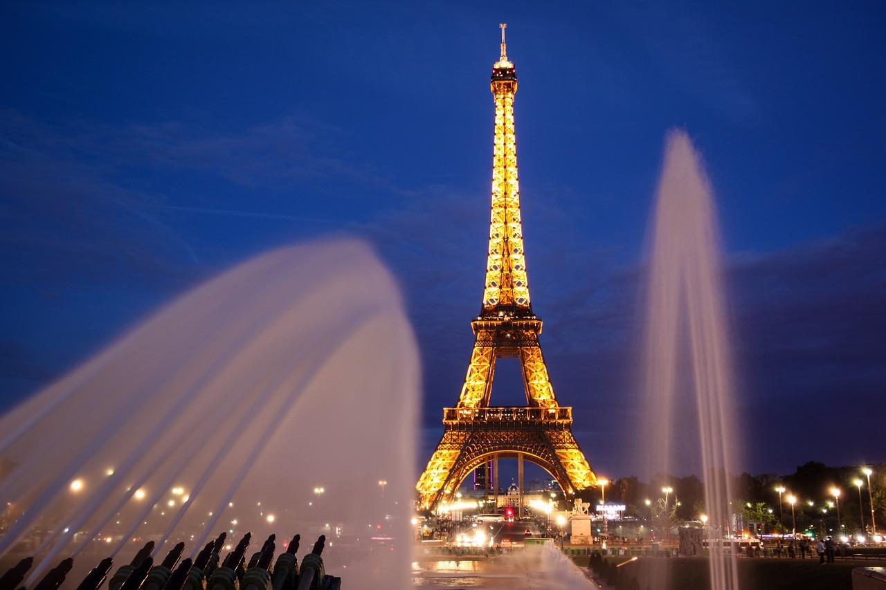 paris-902996_1280