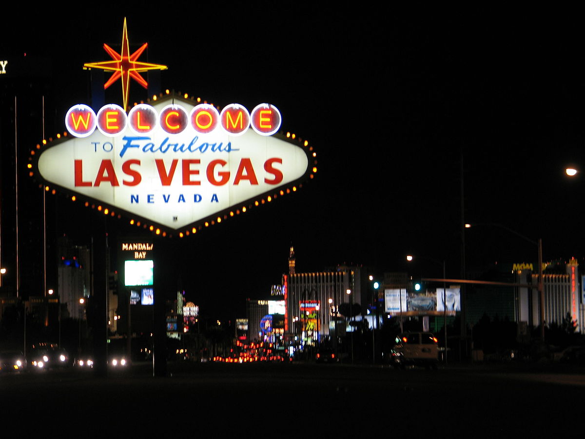 1200px-WelcomeToVegasNite