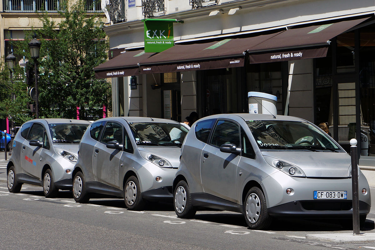 1200px-Paris_Autolib_06_2012_Bluecar_2905