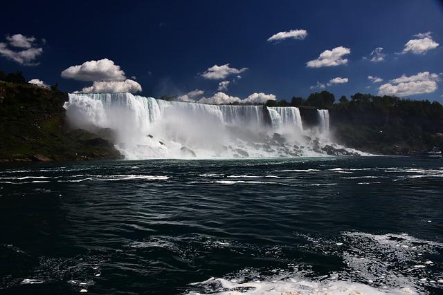 falls-1744243_640