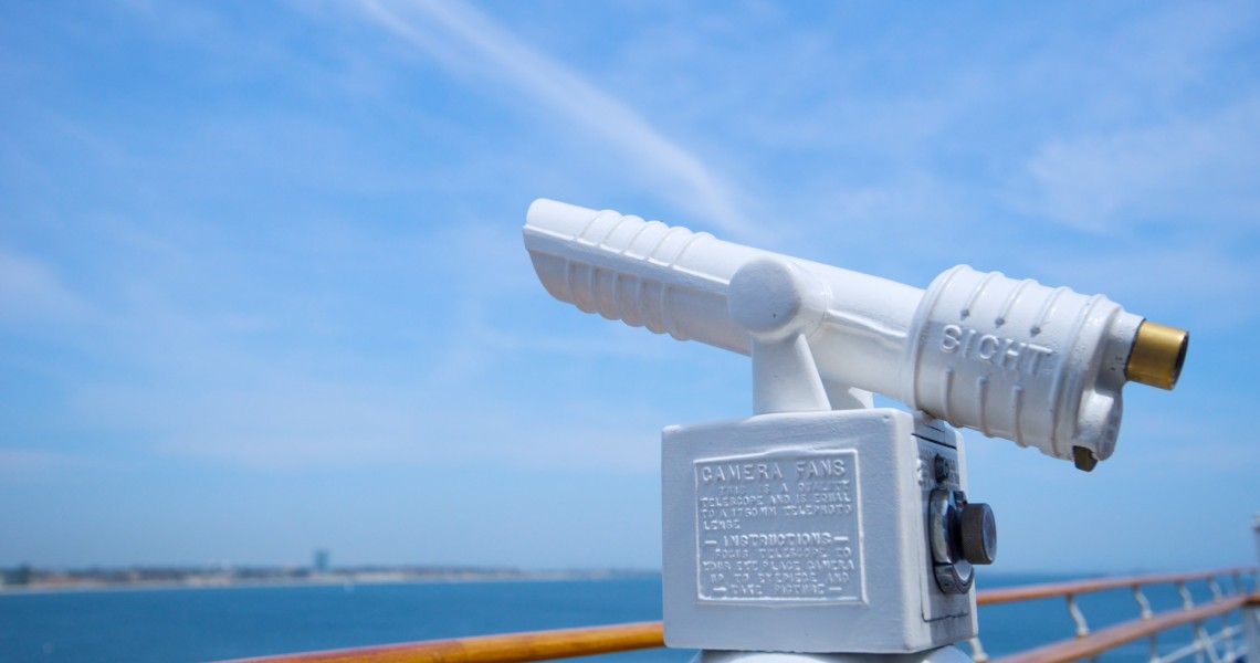 telescope-on-cruise-ship-railing