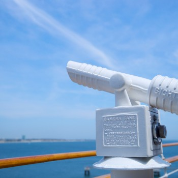 telescope-on-cruise-ship-railing