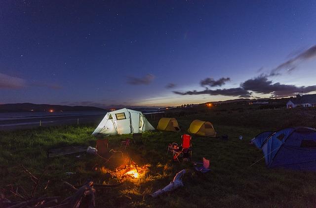 camping-1289930_640