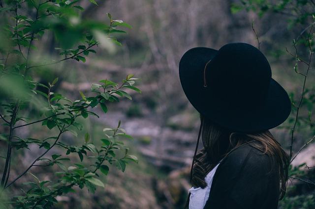 hat-1840021_640