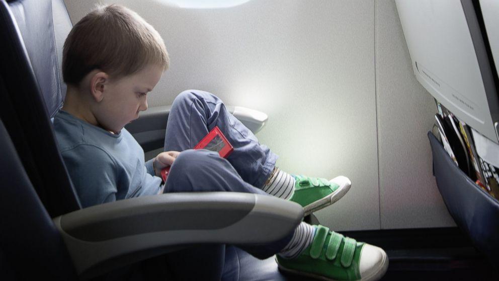 gty_airplane_kid_tablet_kb_131115_16x9_992