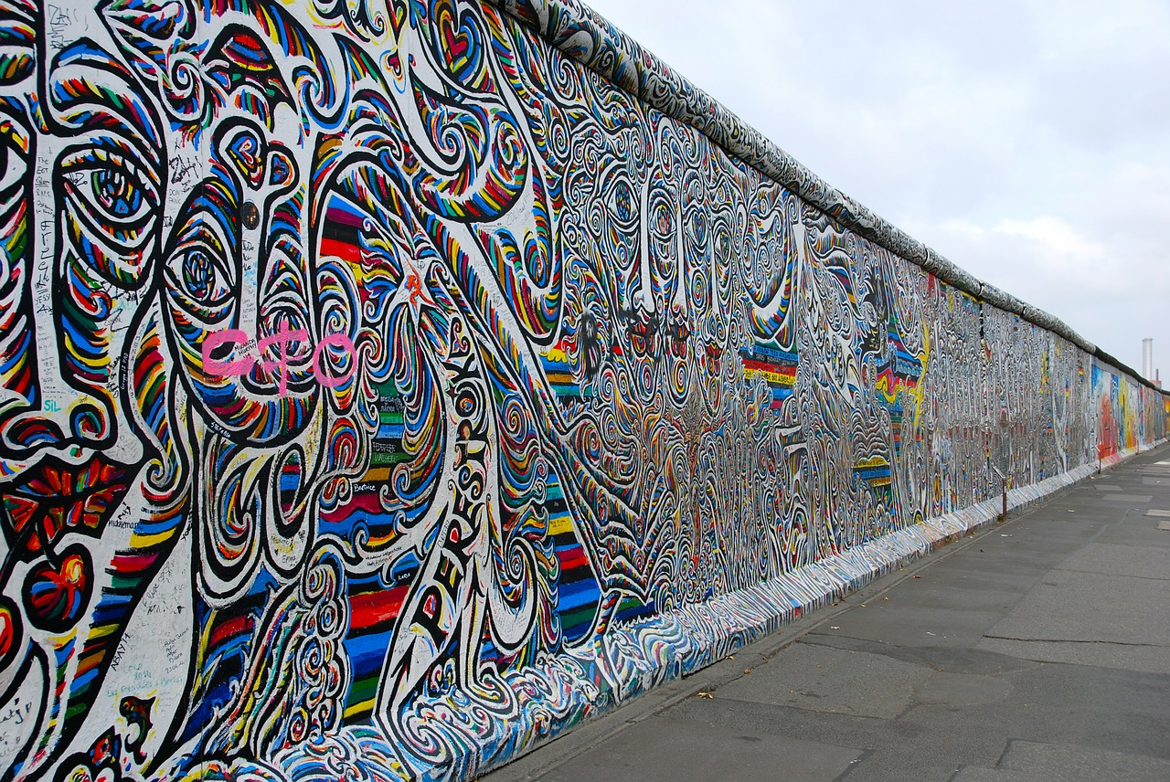 berlin-wall-526521_1280