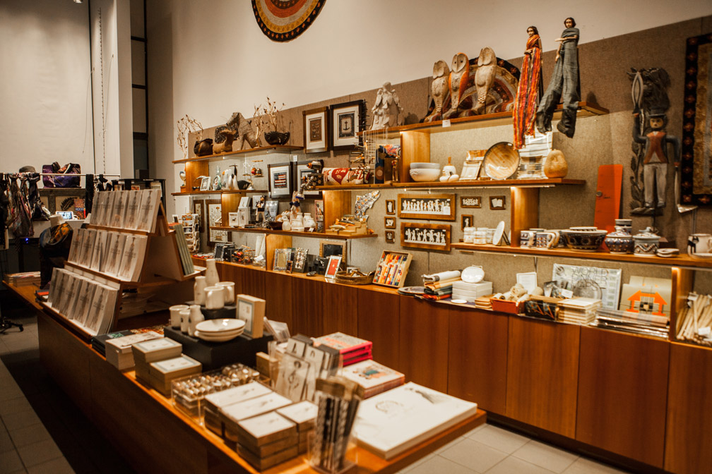 American_Folk_Art_Museum's_Shop