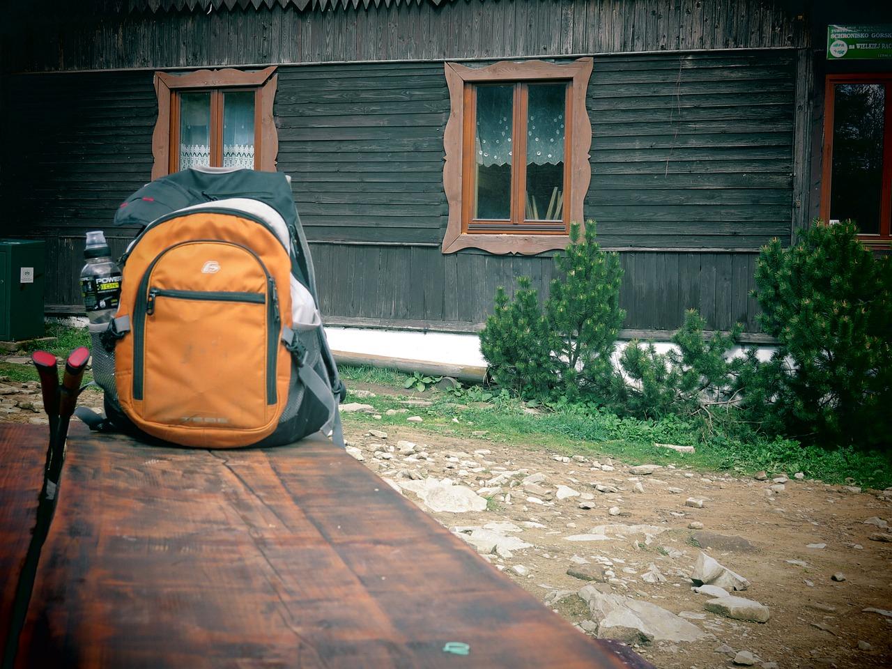 backpack-333650_1280
