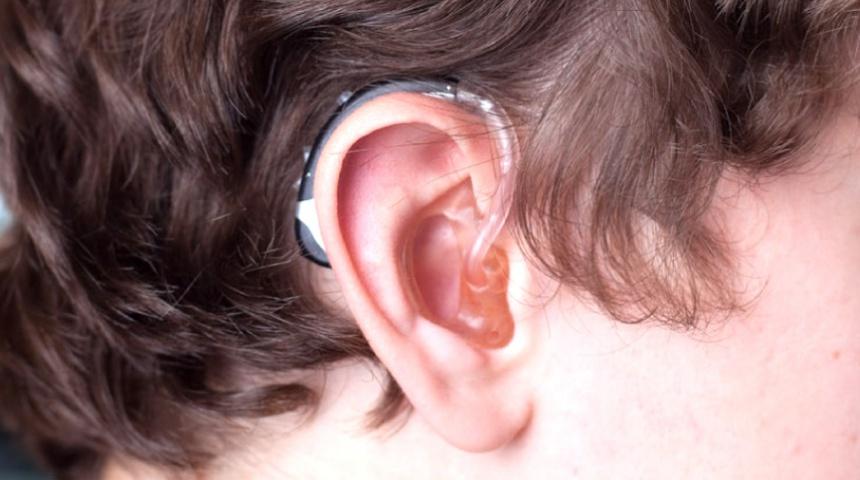 hearing-aid-close_0
