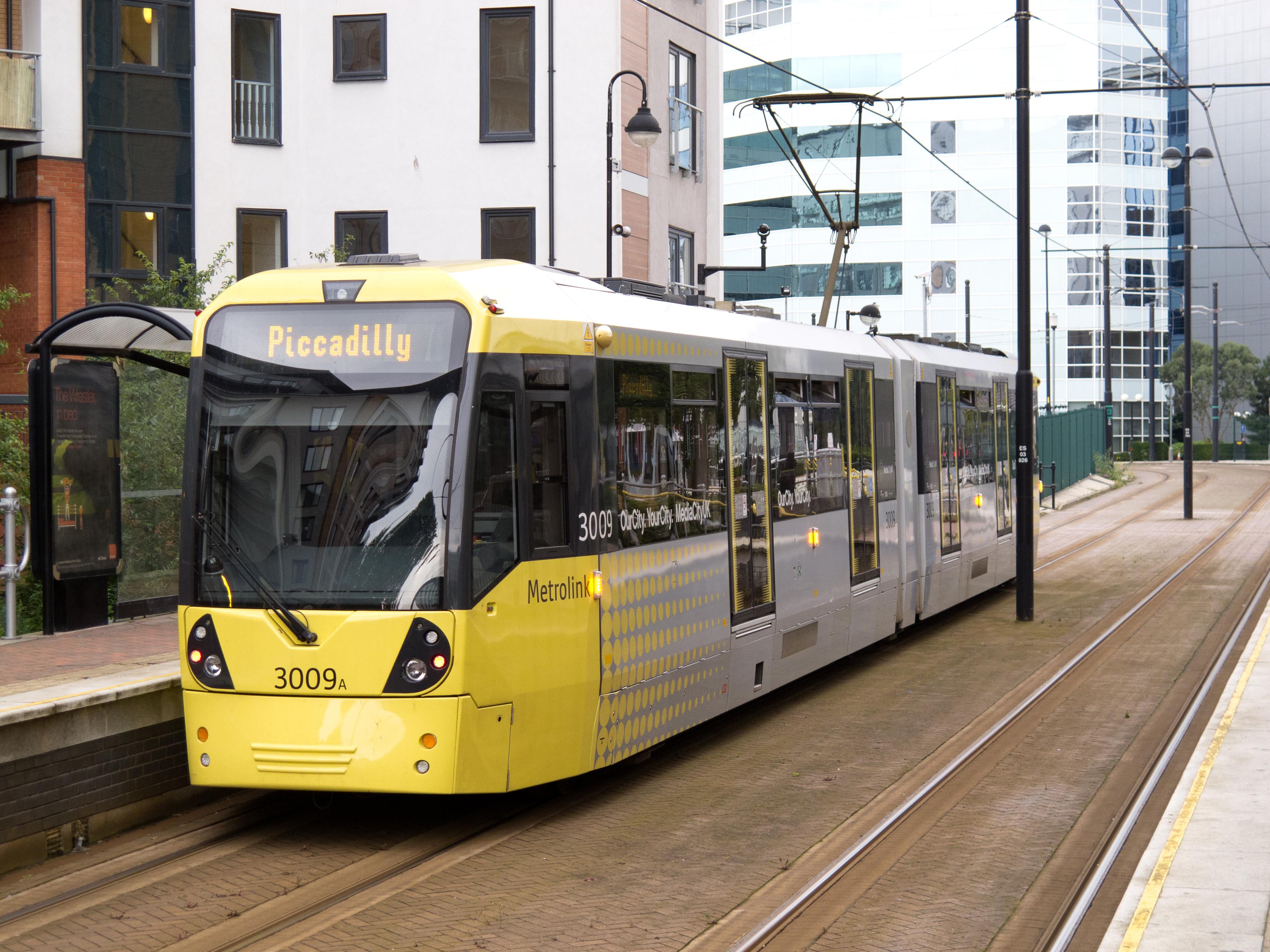 Greater_Manchester_Metrolink_-_tram_3009A