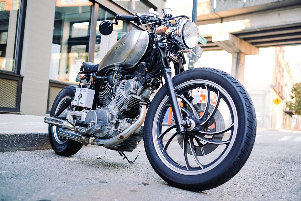 motorcycle-1149389_960_720