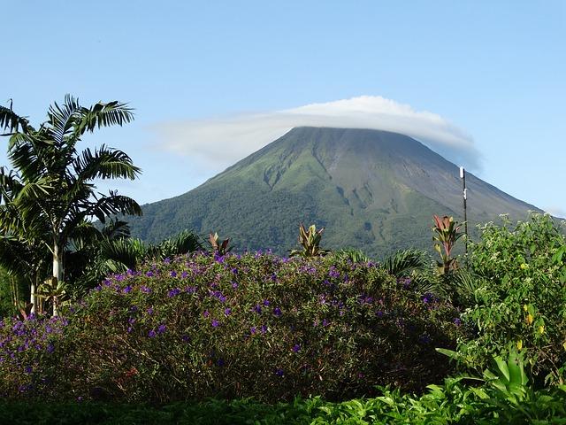volcano-672304_640