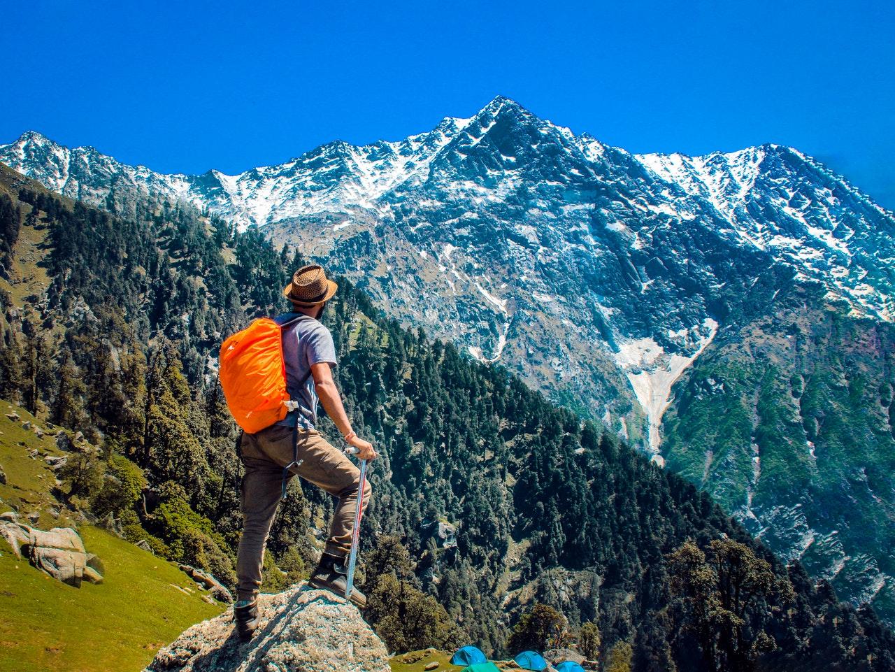 adventure-backpacker-blue-2450296